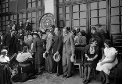 Ceremonia en institución de asistencia social, vista parcial