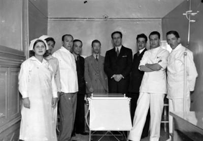 Médicos y enfermeras, retrato de grupo