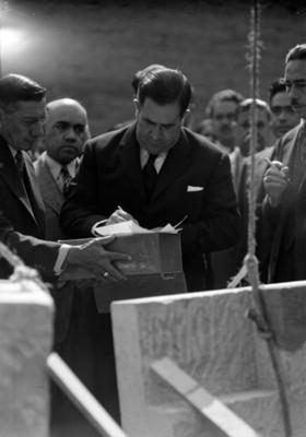 Manuel Ávila Camacho aprueba la construcción de un hospital