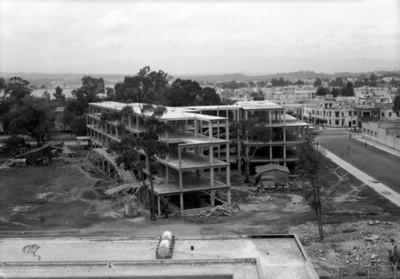 Edificio en construcción, panorámica
