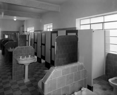 Baños de un hospital, vista interior