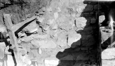Montículo H, restos de una escalera, lado oeste