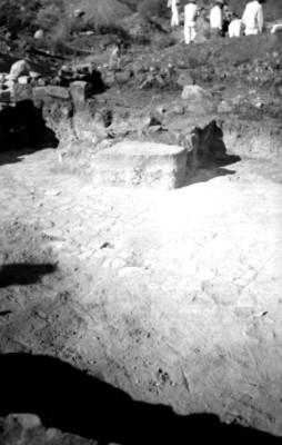 Tumba 4, vista del patio central del Montículo