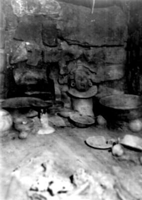 38 Tumba 77 antes de la exploración