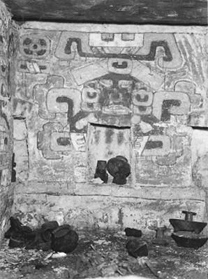 Tumba 104. Interior y fondo de la Tumba antes de la exploración