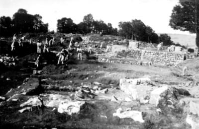 Templo X rellenando pozos, edificio X, desalojando tierra de la cámara central