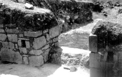 IX Atzompa.Patio de los tableros, Detalle de la entrada al edificio