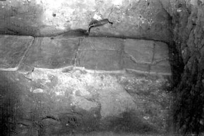 Piso de barro cocido del túnel oeste, vista parcial