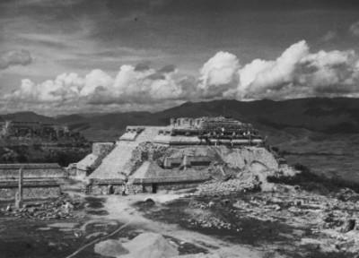 Vista de los trabajos de consolidación en Monte Albán
