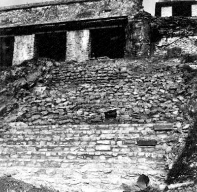 Trabajos de restauración de las escaleras de El Palacio
