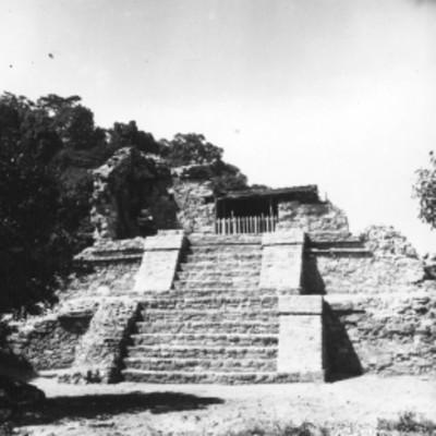 Templo 14 reconstruido, vista general