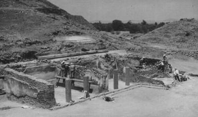 Estructura en proceso de excavación y consolidación