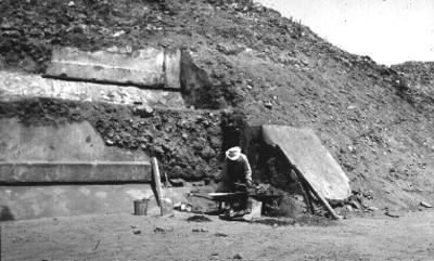 Proceso de escombro y reconstrucción del Edificio 5 conjunto de la plaza de la Luna
