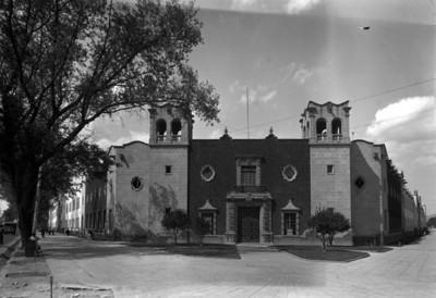 Escuela Normal en Tacuba, fachada