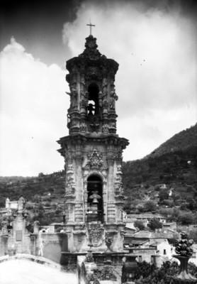 Campanario de la parroquia de Santa Prisca