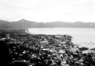 """Ciudad y puerto de """"Acapulco"""", panorámica"""