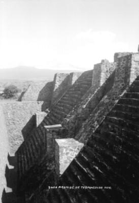 Pirámide de Teopanzolco, vista parcial