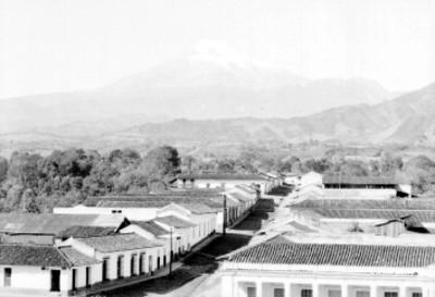 Coscomatepec y Pico de Orizaba, panorámica
