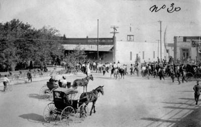 Revolucionarios maderistas entran a Ciudad Juárez