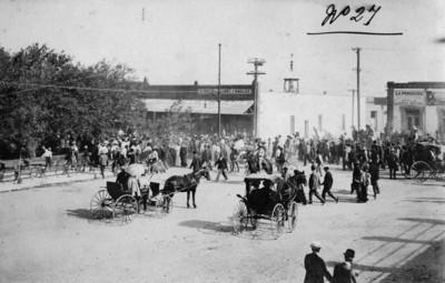 Maderistas entran por las calles de Ciudad Juárez