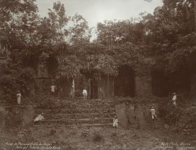 Hombres en las ruinas de Palenque, retrato