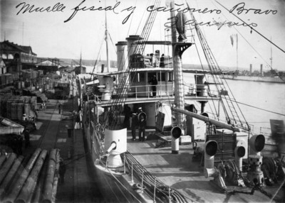 Muelle fiscal y cañonero Bravo