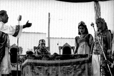 Concilio representado por actores durante la Pasión de Cristo en Iztapalapa