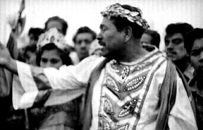 Poncio Pilatos habla ante los concurrentes, representación de la Pasión de Cristo en Iztapalapa