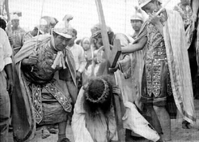 Representación de una de las caídas de Cristo en Iztapalapa
