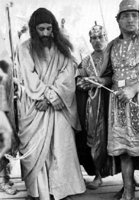 Jesús es apresado por romanos al representar el viacrucis en Iztapalapa