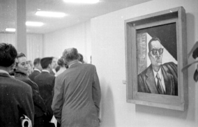 Autoretrato de José Clemente Orozco en una exposicón de arte
