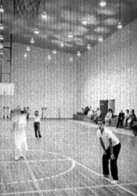 Adolescentes durante un entrenamiento de básquetbol
