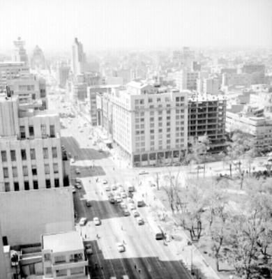 Avenida Juárez en la ciudad de México, panorámica