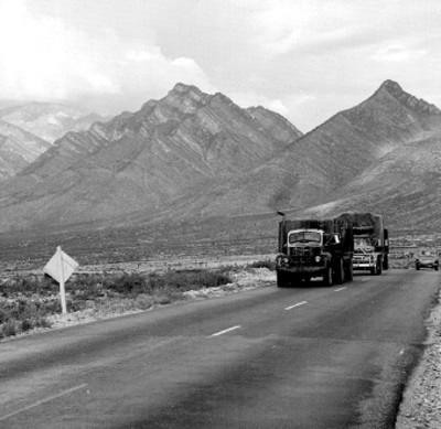 Montañas, vista desde la carretera a Monterrey