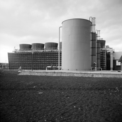 Tanques de deposito en instalaciones de refinería