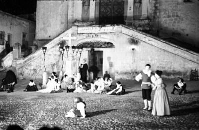 Actores durante obra teatral en el festival Cervantino de Guanajuato