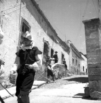 Actores en la calle de Guanajuato durante el Cervantino