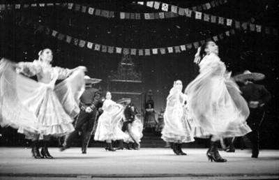Jarabe Tapatío realizado por el ballet folclórico de Amalia Hernández
