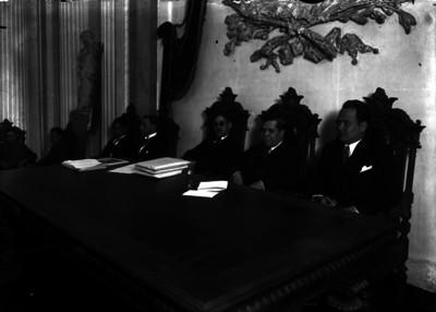 Ramón P. Denegri con miembros de la Suprema Corte de Justicia en reunión