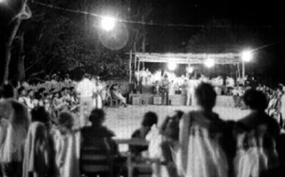 Mayas durante una fiesta