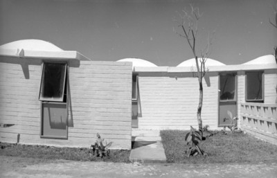 Casas habitación con jardín, fachadas