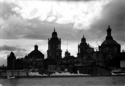 Catedral de México vista desde la azotea de un edificio de la calle de Justo Sierra