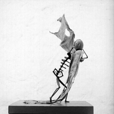 Escultura elaborada por Omar Castillo