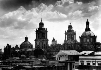 Catedral de México vista desde las azoteas de edificios de la calle de Justo Sierra