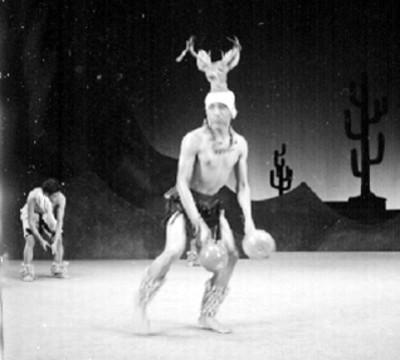 Bailarín interpreta la danza del venado