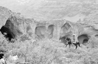 Hombre a caballo, escena de la película Los Hombres Cultos