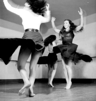 """""""Academia de la danza mexicana del INBA"""", ensayo"""