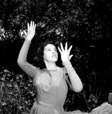Rocio Sagaón, interpreta el vuelo del alma