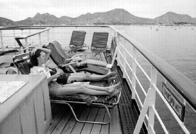 Turistas en una embarcación