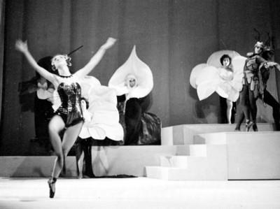 Actrices en la opereta músical orfeo en los infiernos
